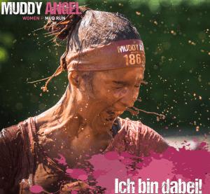 Frauenlauf, Teilnehmerin, Läuferin, bei einem Schlammlauf Muddy Angel Run